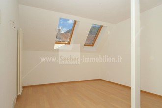 Bolzano: modern terraced house for sale in a very quiet yet top location near the center