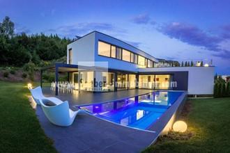 Villa mieten  Luxuriöse moderne  Villa Tag oder Wochenweise buchen