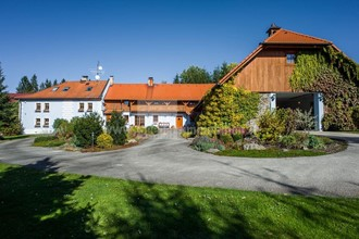 Sale of a two-family house, luxurious living in the village of Suš (near Český Krumlov and Lipno)