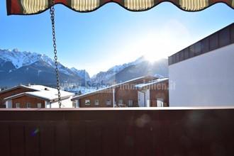Große umgebaute Dachgeschosswohnung in schöner Hanglage mit Aussicht auf die Berge in Toblach im Hochpustertal zu verkaufen
