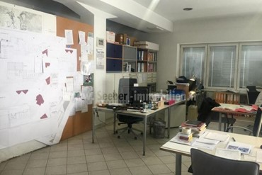 Großes Laborlokal mit Büroräumen am Rande der Stadtgemeinde Bruneck zu verkaufen