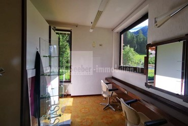 Property for sale with approved project for 3-room apartment