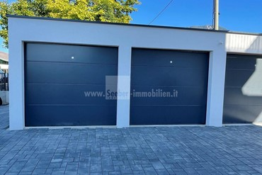 Rent cheap new garage box with electric gate in Ferlach
