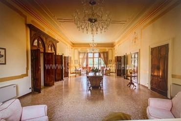 Prächtige venezianische Villa wenige km von Venedig zu vekaufen