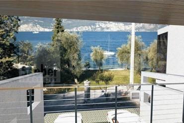 Alte Bestandskubatur mit Projekt zur Realisierung eines tolles Hauses direkt an der Gardesana am See