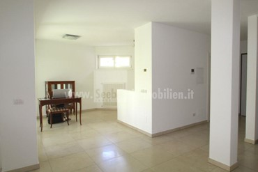 Bolzano: modern terraced house in a very quiet yet central location for sale