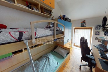 Cozy 3-room apartment on the top floor in the south of Bolzano for sale