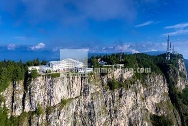 Hotel am Mendelpass in einmaliger Panoramalage, auf einer Meereshöhe von 1.740 m zu verkaufen