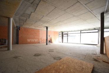 Geräumiges Geschäftslokal auf einer Ebene in Bruneck im Europacenter in zentraler Lage nahe des Zugbahnhof zu verkaufen