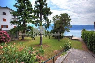 Wohnen in erster Reihe am Gardasee: Einmaliges frei stehendes Haus mit Garten und eigenem Bootssteg direkt am See zu verkaufen