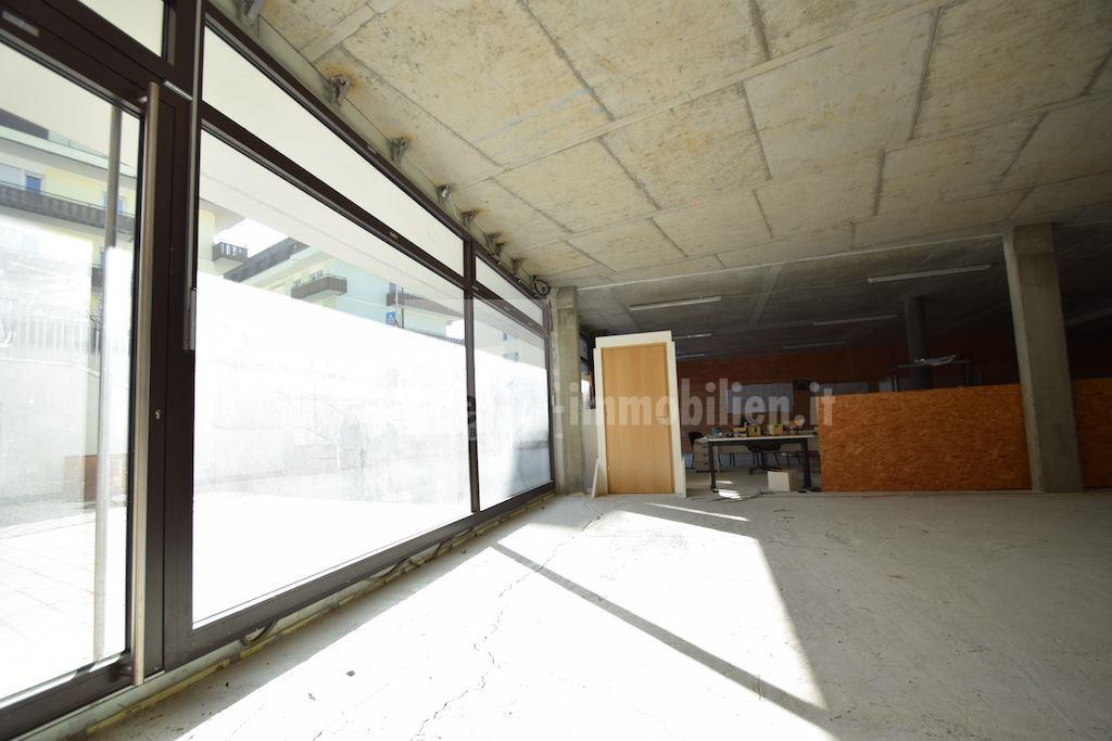 Negozio / Locale in vendita a Brunico, 9999 locali, Trattative riservate | PortaleAgenzieImmobiliari.it