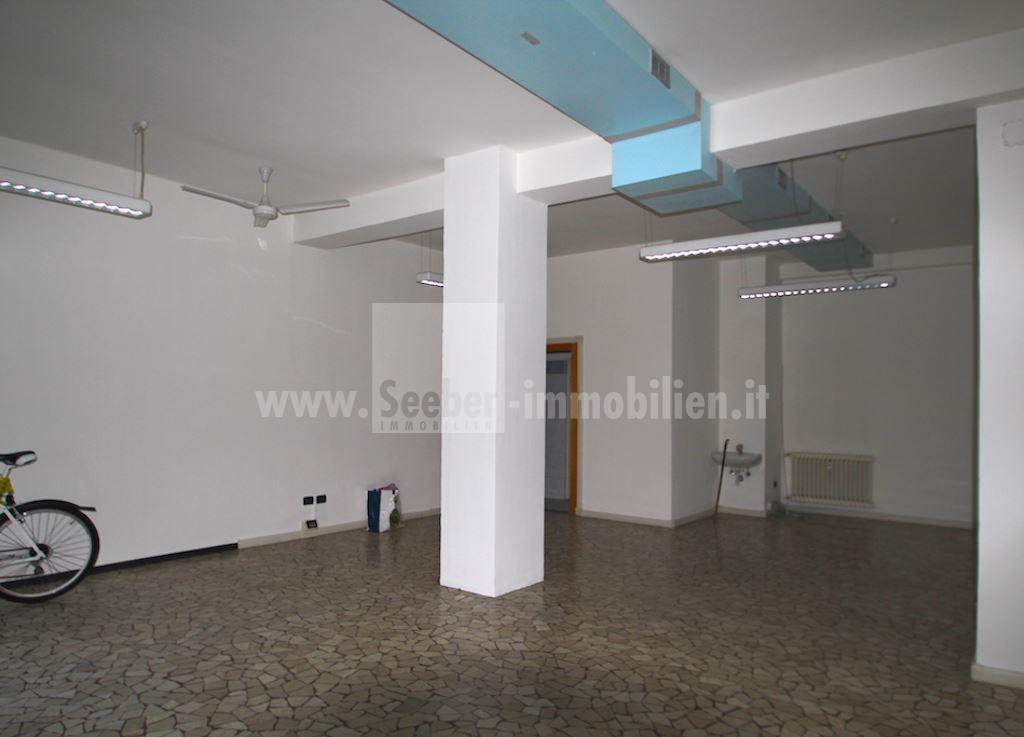 Negozio / Locale in vendita a Bolzano, 9999 locali, prezzo € 175.000 | PortaleAgenzieImmobiliari.it